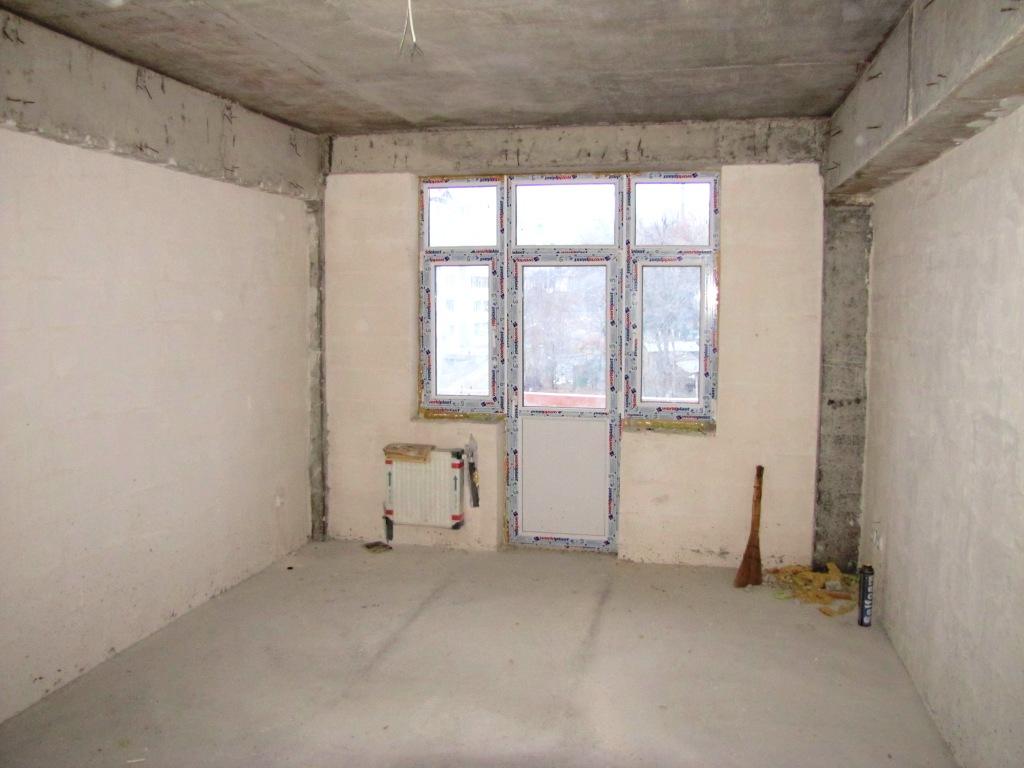 Dormitorul si esirea la balcon